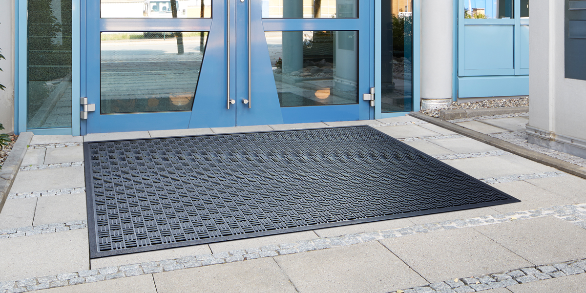 Kleen-Scrape - Kleen-Scrape mat in front of the entrance-door