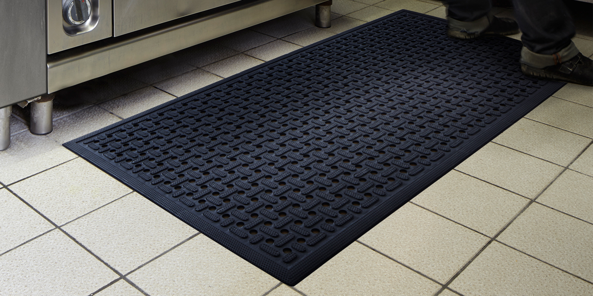 Kleen-Thru Plus - Kleen-Thru Plus mat at the work place