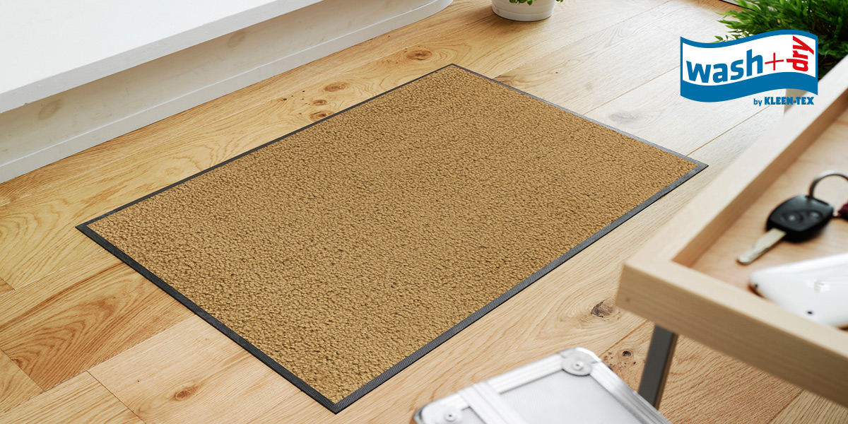 wash+dry Original mat in sahara in hallway